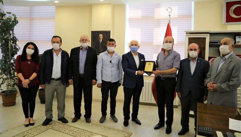 Akçay'dan Rektörümüze Tebrik Ziyareti