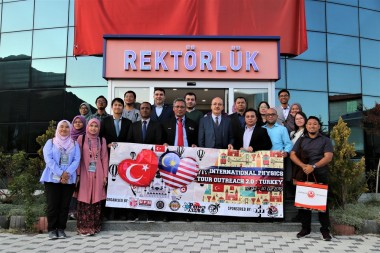 Malaysian Students Visited Our University