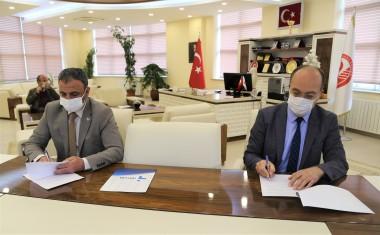 İŞKUR ile Üniversitemiz Arasında İşbirliği Protokolü İmzalandı