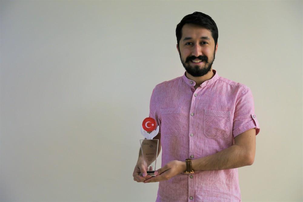 İletişim Fakültesi Akademisyenimize İkincilik Ödülü