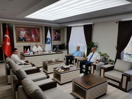 Gümüşhane Üniversitesi Rektörü Prof. Dr. Halil İbrahim Zeybek, Kürtün'de İncelmelerde Bulundu