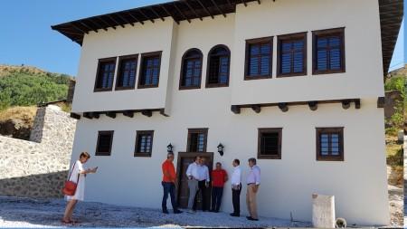 Rektör Zeybek, Süleymaniye'de Gümüşhane Üniversitesi Rektörlüğü Konağı'nda İncelemelerde Bulundu